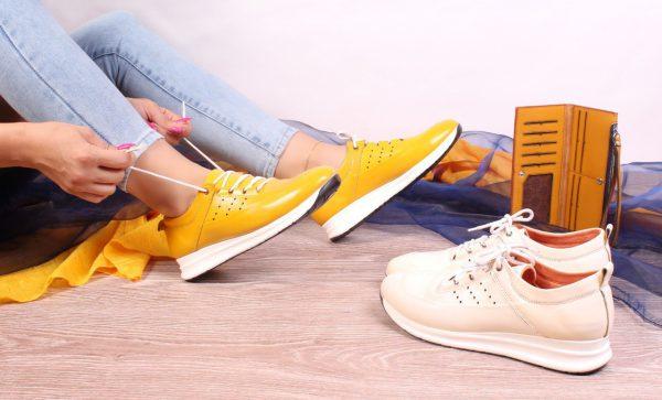 کفش کتونی زنانه مدل gcw-2501 رنگ زرد و کرم