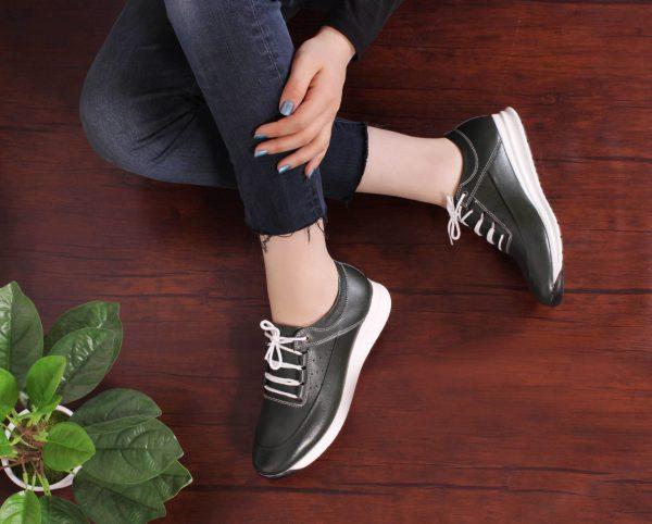 کفش کتونی زنانه مدل gcw-2501 رنگ سبز لجنی